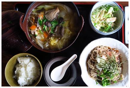 天然きのこ小鍋定食