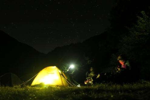 阿曽原温泉小屋テン場