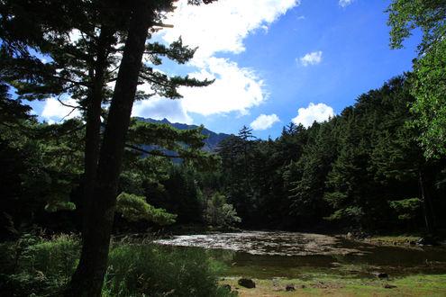 しらびそ小屋とみどり池と天狗岳