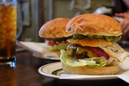 センター4ハンバーガーズ