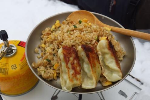 山めし-炒飯と餃子