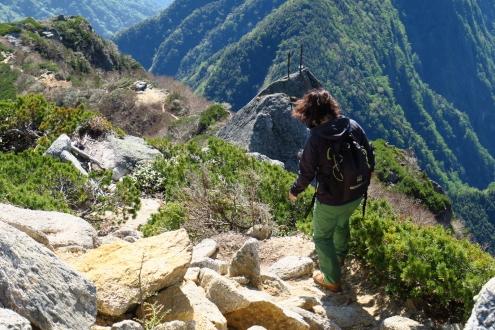 甲斐駒ヶ岳山頂からの下山路