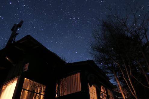 山小屋・丸川荘の夜