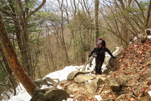 裂石からの登山道