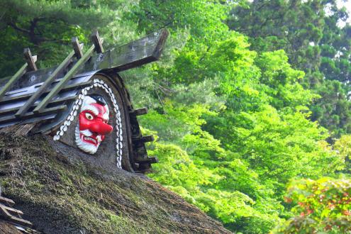 古峯神社の棟飾り