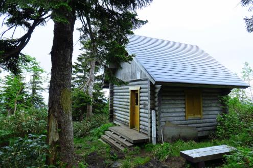 三ツ岩避難小屋