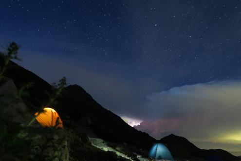 北岳山荘テント場 夜景