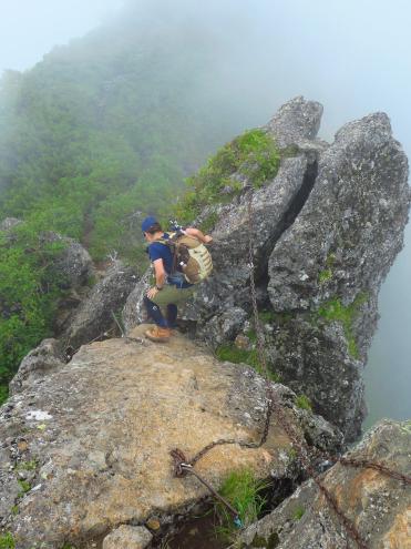阿弥陀岳山頂直下の岩場