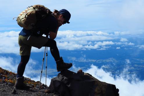 浅間山と登山靴とヨメ氏