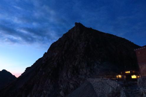穂高岳山荘の朝