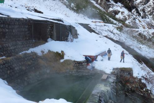 白馬鑓温泉テント場整地中