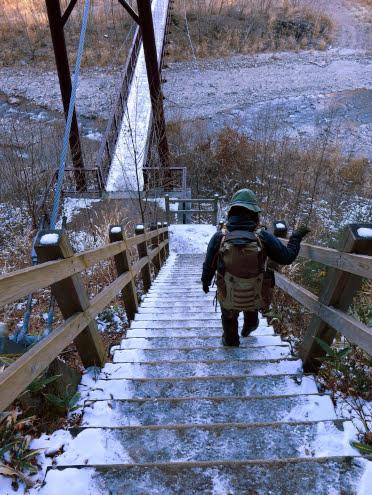 女夫渕の階段と吊り橋