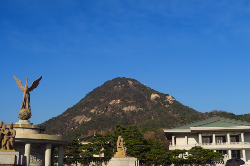 景福宮の後ろに北岳山