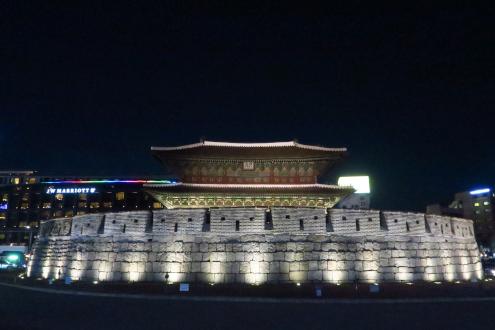 ライトアップ東大門