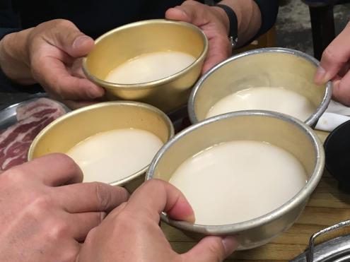チェデポでマッコリ乾杯