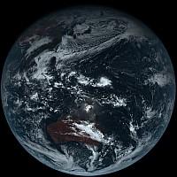 気象庁が素の地球の画像を公開