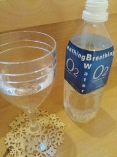 酸素水グラス