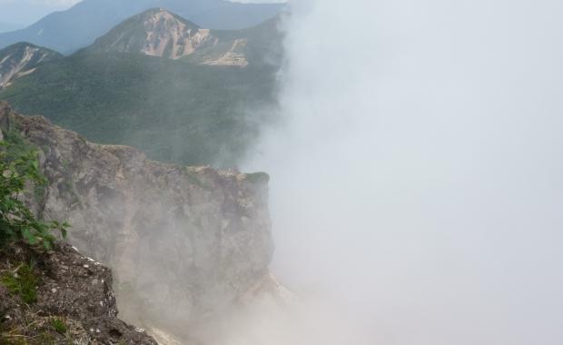 2018.7.22硫黄岳10トリミング2.jpg
