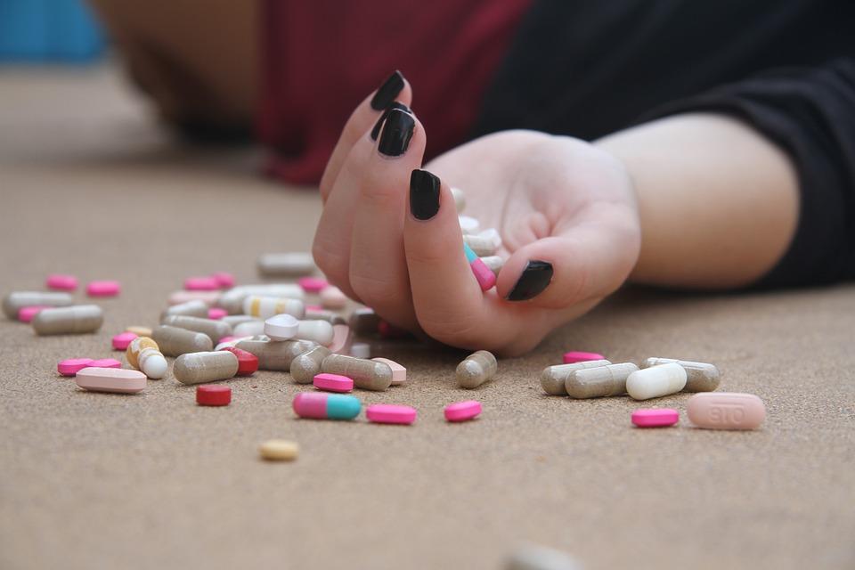 脳内コントロールと麻薬と脳内麻薬