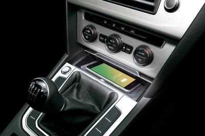 ドイツ Inbay社 VW Arteon PASSAT スマホ ワイヤレス チャージング Qiドック