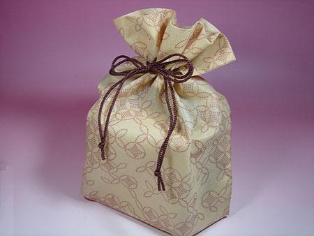 木箱入り名入れ湯呑み茶碗 巾着袋