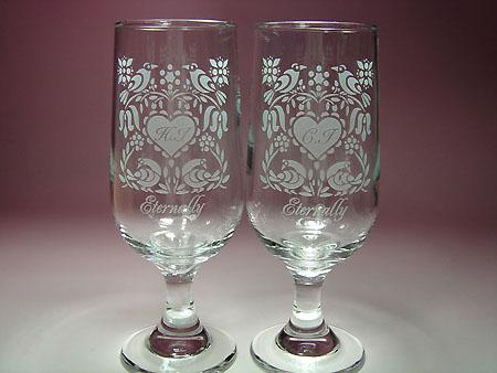 結婚祝いウェディングプレゼント、名前彫刻入りペアグラス