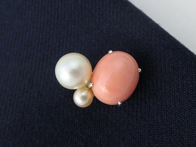 珊瑚と真珠ブローチ