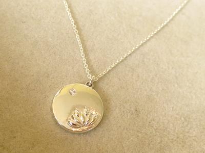 蓮の花ネックレス