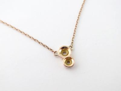 宝石をネックレスに加工