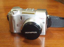 CAMEDIA C-750 Ultra Zoom