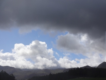 12.05.09旅の雲たち12
