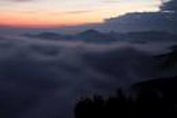 12.05.28層雲06