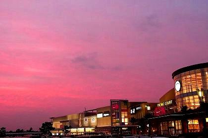 夕焼けと宮崎のイオンショッピングセンター