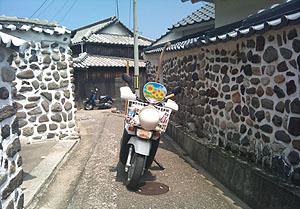 練塀とタミちゃん号