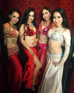 アフターパーティーでは、六本木にある豪華なステージで踊らせて頂きました6