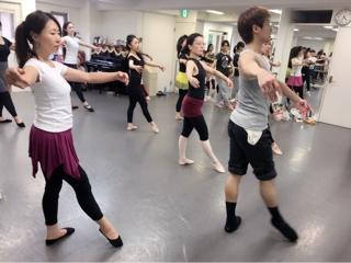 彼女達がいつかプロダンサーになり、生徒思いの愛ある講師になる日を夢見ております。