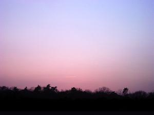 桜待ちの空