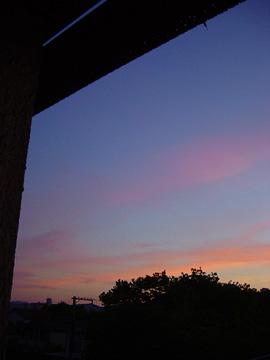 定点から(窓の夕日)