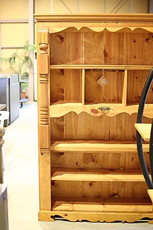 カフェの家具 店舗什器 食器棚