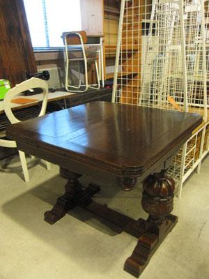 英国アンティークドローリーフ テーブル パイナップルレッグ 彫刻 ダイニング 什器