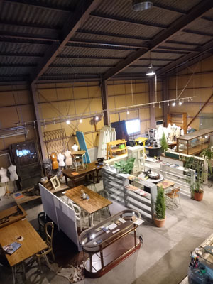 店舗什器 ハンガーラック レジ台 ディスプレイ棚 ミラー 建具