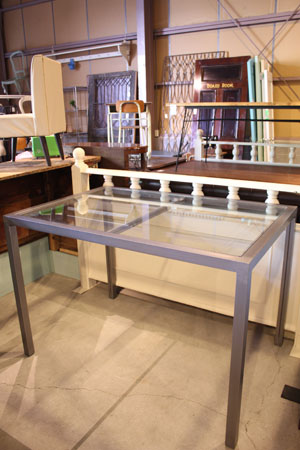 Fガラス アパレル テーブル ディスプレイ台 什器