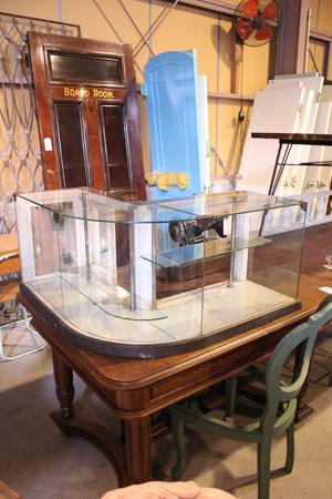 棚 ショーケース ガラス 什器