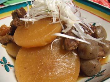 牛すね肉と大根のべっ甲煮