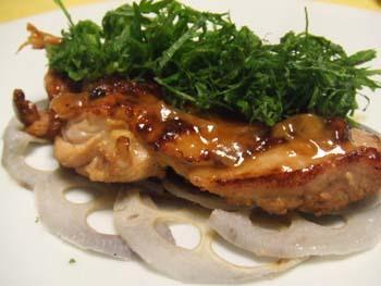 鶏もも肉の梅肉風味ソテー 大葉のせ