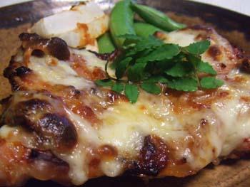 鶏もものグリル ピリ辛味噌バターチーズ