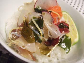 魚介と豆腐ののっけご飯