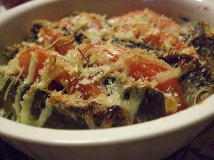 ホウレンソウとトマトとイワシの重ね焼き グラタン風