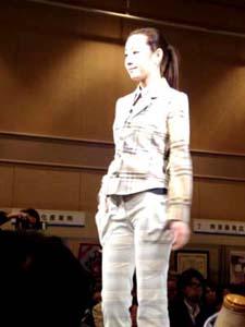 播州織総合素材展2011−3.JPG
