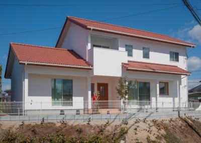 注文住宅 大牟田市 赤い瓦が似合う、西洋漆喰の住まい。